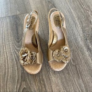 BOC size 7 gold wedge floral sandals